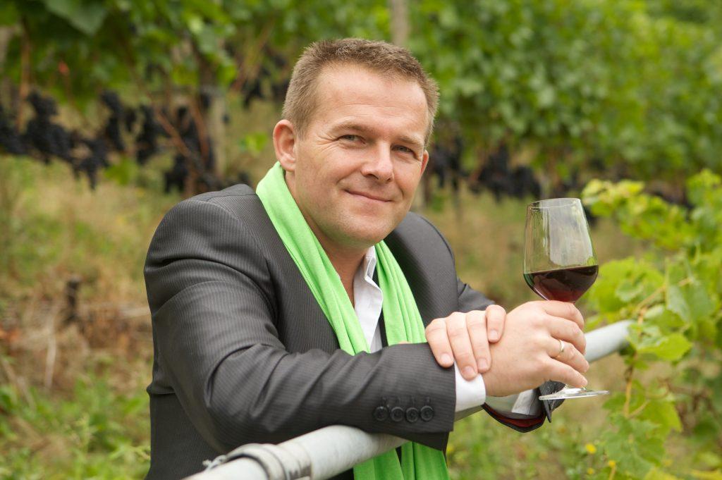 Weinkabarettist Ingo Konrads by Heupel
